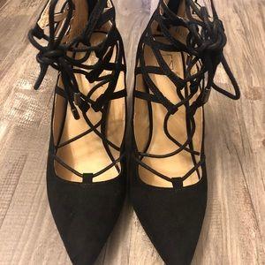 Lace-up black heels